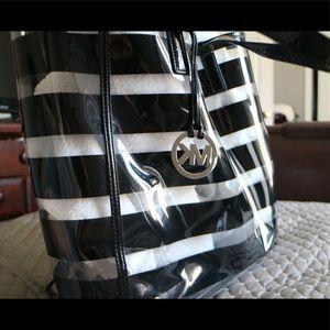 69984890cd35 Michael Kors Bags - Michael Kors Eliza Clear Tote Beach Bag